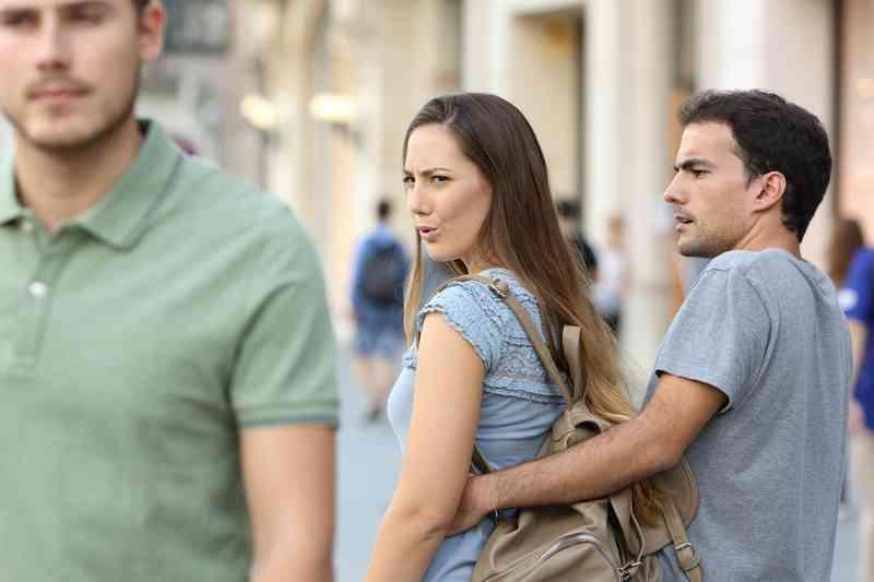 známky, že chodím s plachým chlapemkdo je kaylor rychlé randění