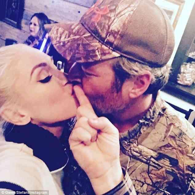 Blake datovania Gwen napísať veľký prvý e-mail online dating