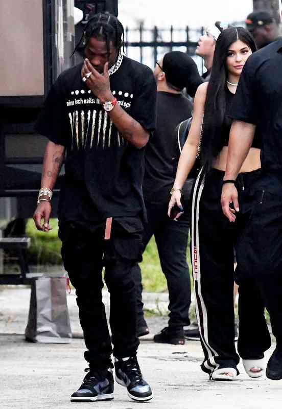 Kylie Kardashian datovania histórie