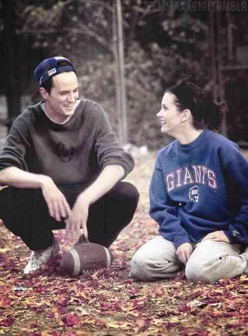ystävät Chandler Monica ensimmäinen koukku
