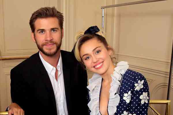 Miley Cyrus datovania Liam Hemsworth 2009