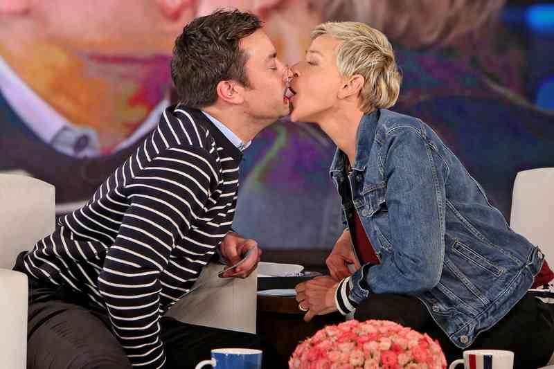 Ellen DeGeneres datovania show ťahanie Bar pripojiť