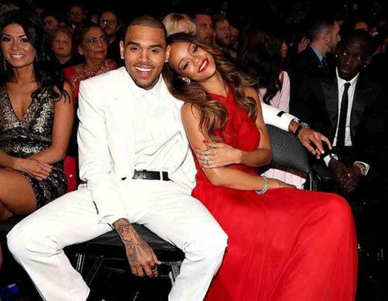 Je Chris Brown stále datovania Rihanna 2013
