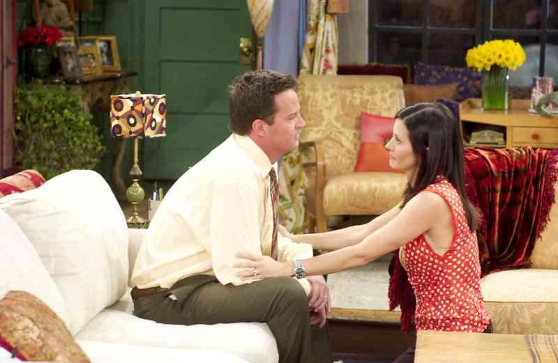 kto bol Monica datovania, ktorý zabil sám