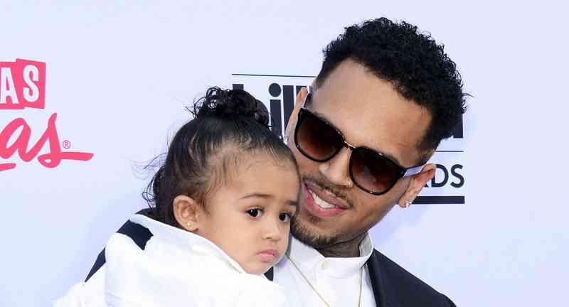 je Chris Brown stále datovania karrueche Tran 2014