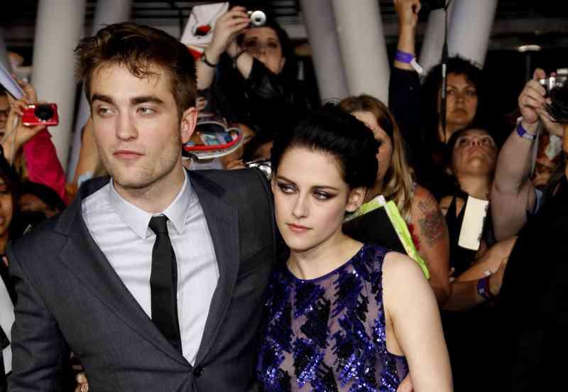 Robert Pattinson datovania práve teraz