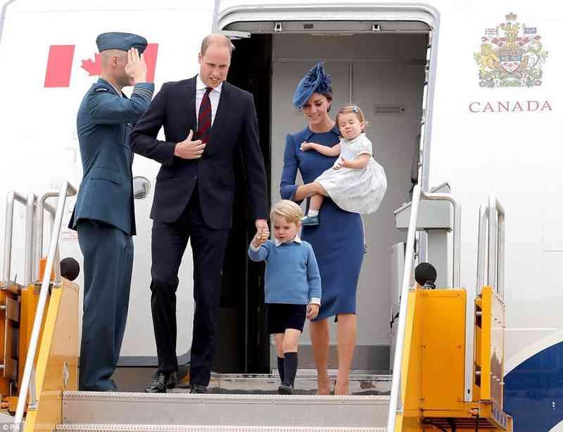 Seniori koji izlaze s princem Georgeom