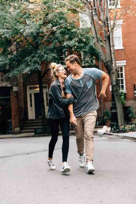 dating blåser varmt og kaldt dager av våre liv skuespillere dating