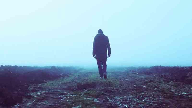 Kdy je vhodné začít chodit poté, co váš manžel zemře