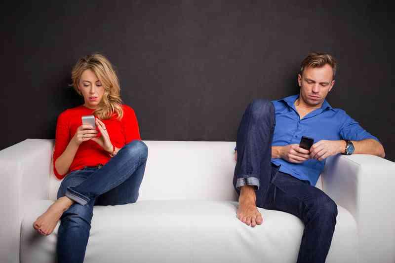 11 způsobů, jak víte, že chodíte s mužem, není chlapcem