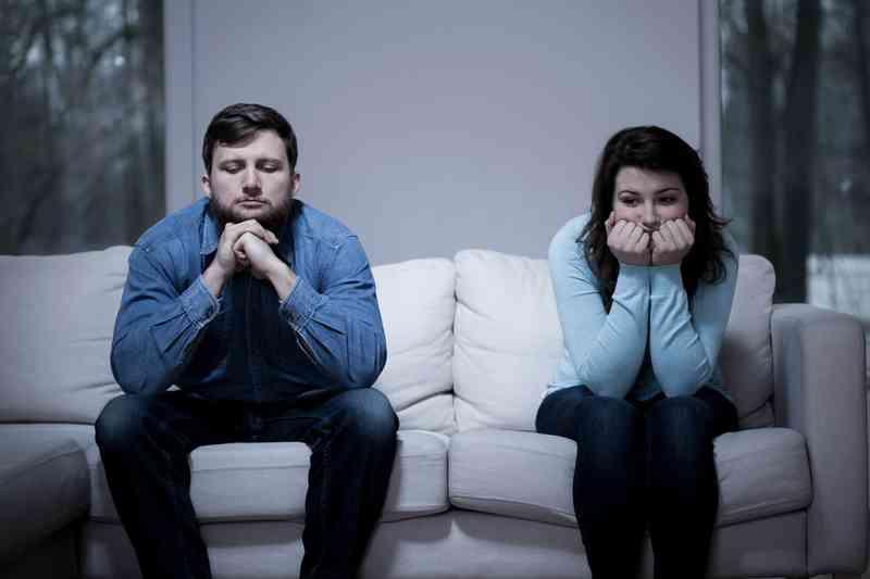 Čo robiť, keď ex začína datovania niekoho iného