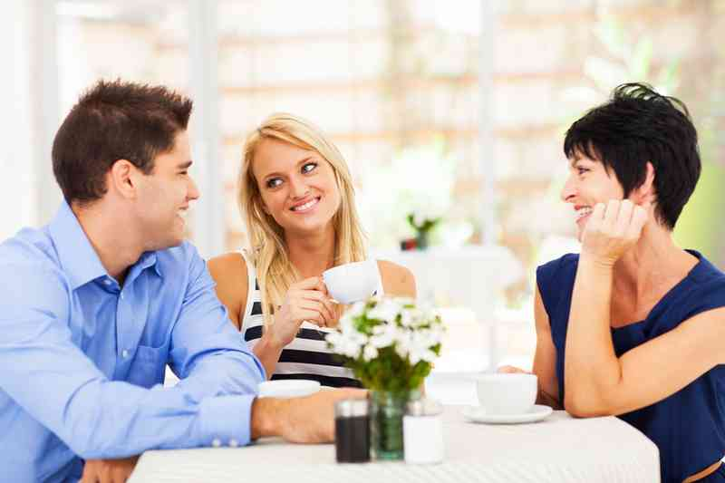 Hoe om te weten als je dating een mamas Boy