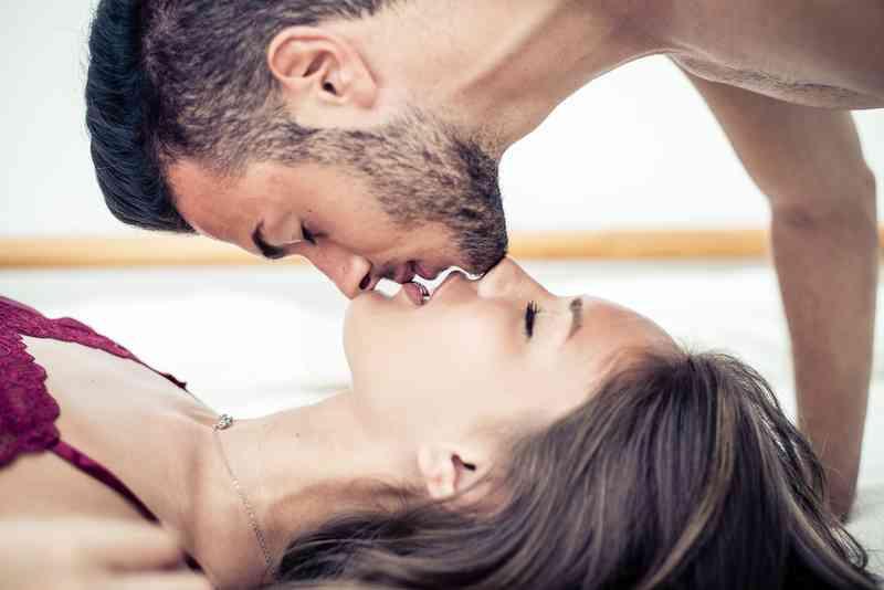 vaše první rada s datováním polibků