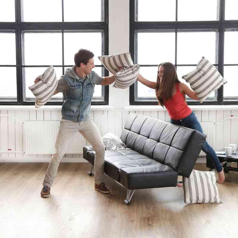 Hoe te om uw beste vriend te vertellen uw het dateren van haar ex