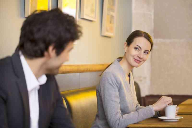 11 znakova da se družite s muškarcem a ne dječakom