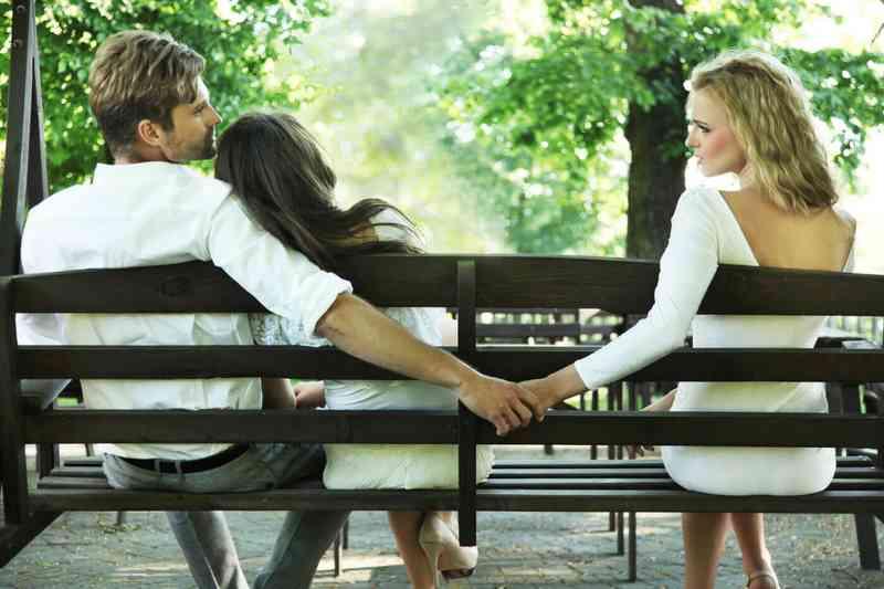 Τα ποσοστά διαζυγίων σε απευθείας σύνδεση dating