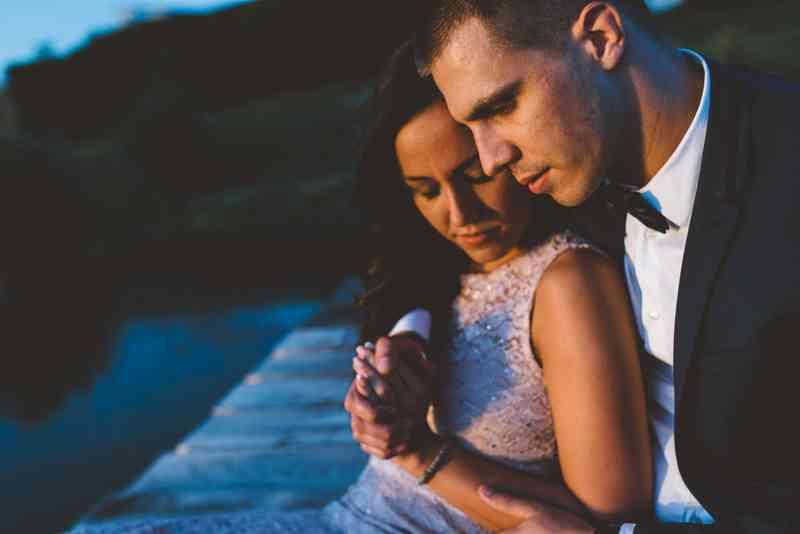 10 způsobů, jak víte, že chodíte s mužem, není chlapcem
