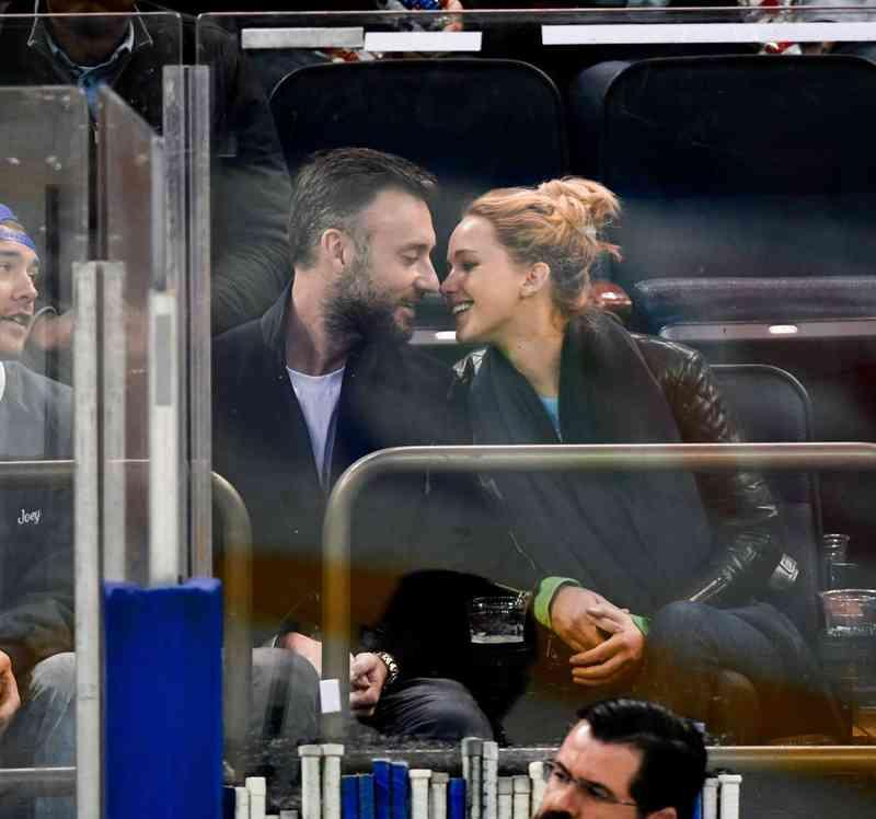 som er Jennifer Lawrence dating juni 2015 Bahamas dating nettsteder